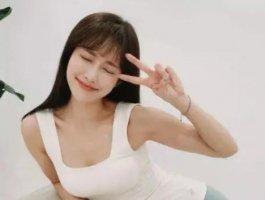 韩国女生姜贤京容貌清秀,被誉为韩版奶茶妹妹!